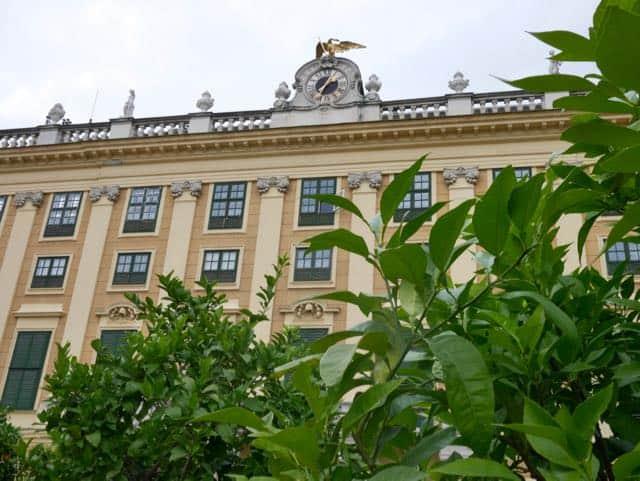 Zijkant van het paleis