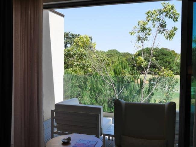 Uitzicht vanuit onze kamer, de schuifpui kan bijna helemaal open...