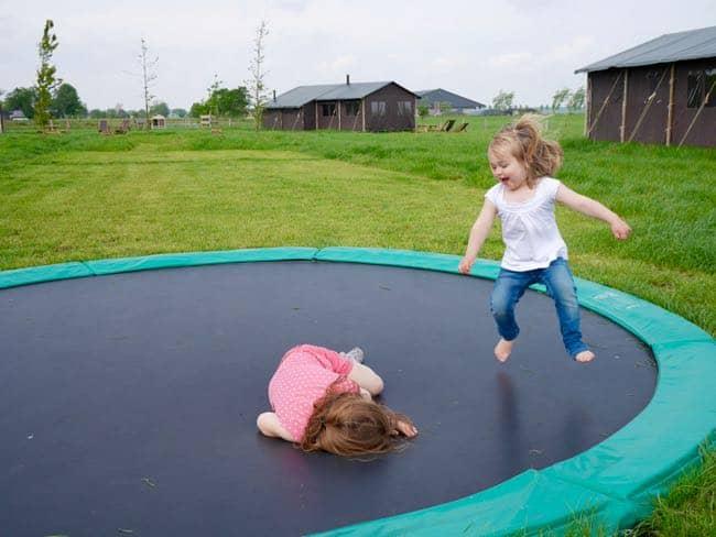 Dikke lol op de trampoline