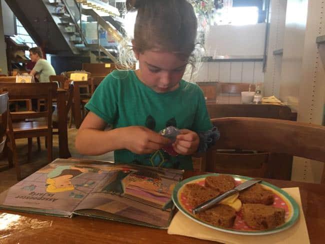 Hartontbijtkoek eten bij Corazon