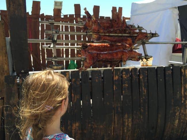 Een piratenmarkt in Buarcos, we kijken onze ogen uit...